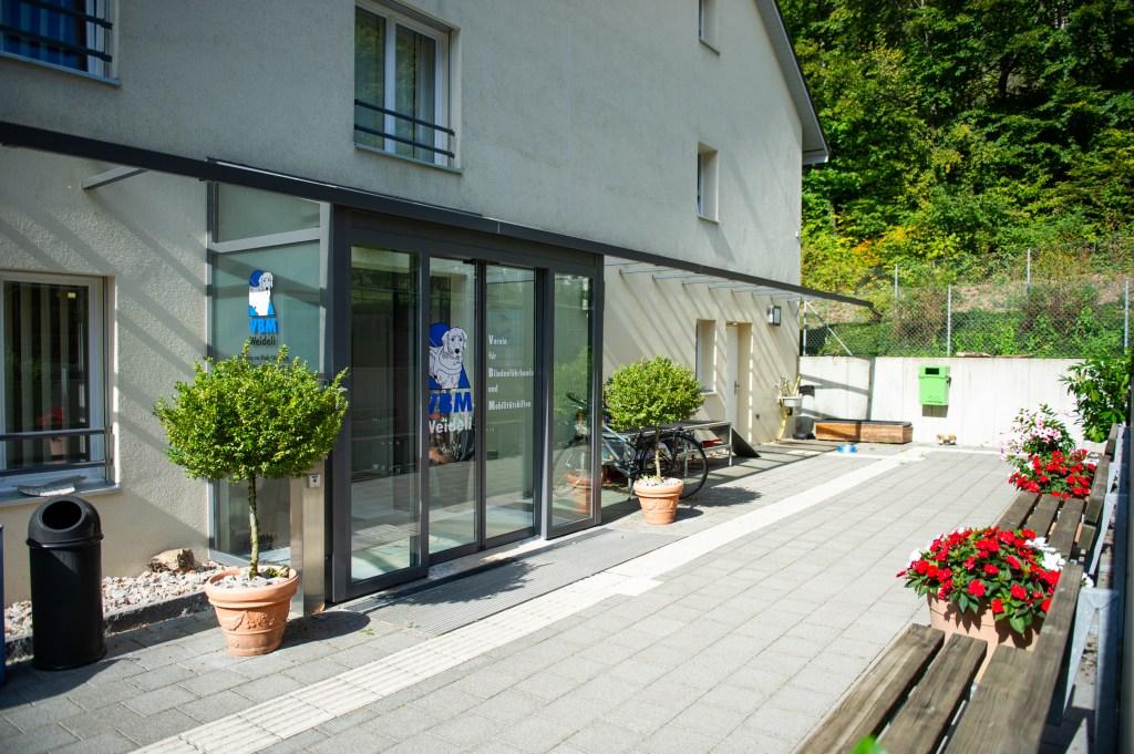 Basel und Region - Eingang der Blindenhundeschule Liestal | auf baselundregion.ch
