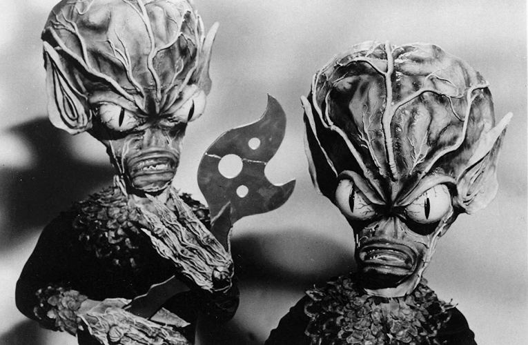 FILM BOOK OF FEAR: Invasion Of The Saucer-Men (1957)