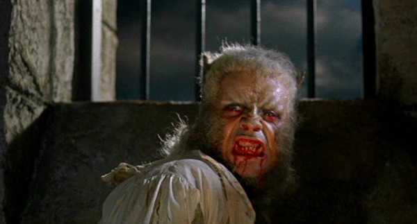 1319085293-curse-of-the-werewolf-hammer-horror-films-3739574-800-431