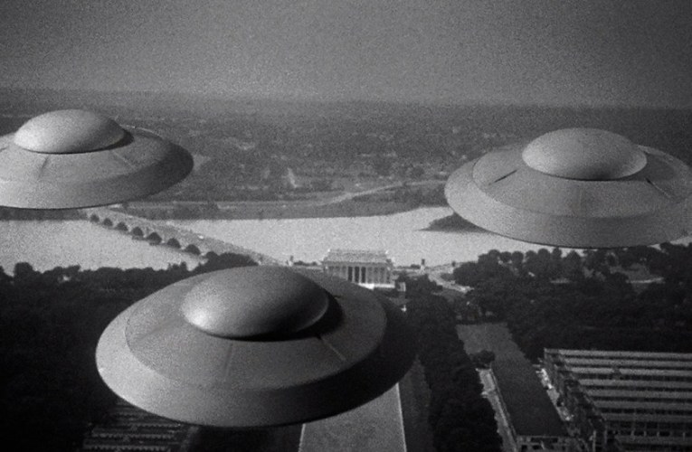 FILM BOOK OF FEAR: Earth Vs. The Flying Saucers (1956)