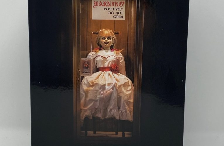 """THE BASEMENT TOY BOX: NECA's """"Annabelle Comes Home"""""""