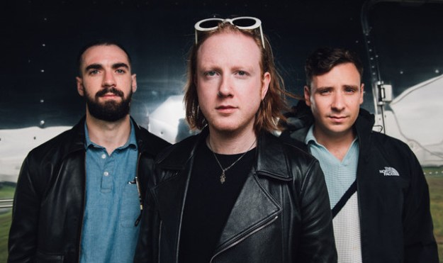 2016TwoDoorCinemaClub_Glasto_BB240616.article_x4