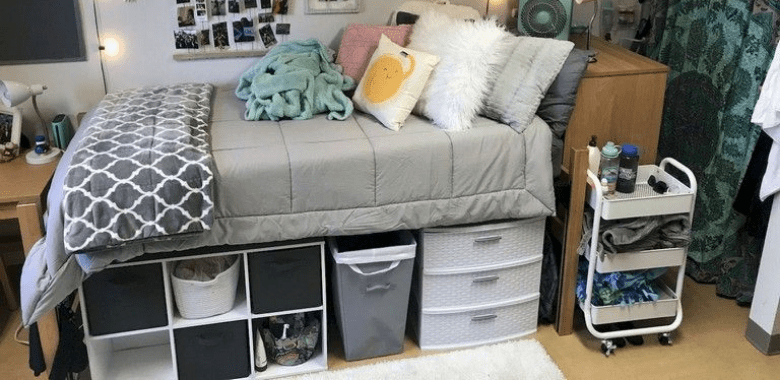 Dorm room organization
