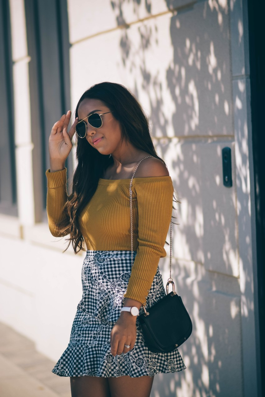 how to style summer pieces with fall, boohoo gingham skirt, missguided bodysuit