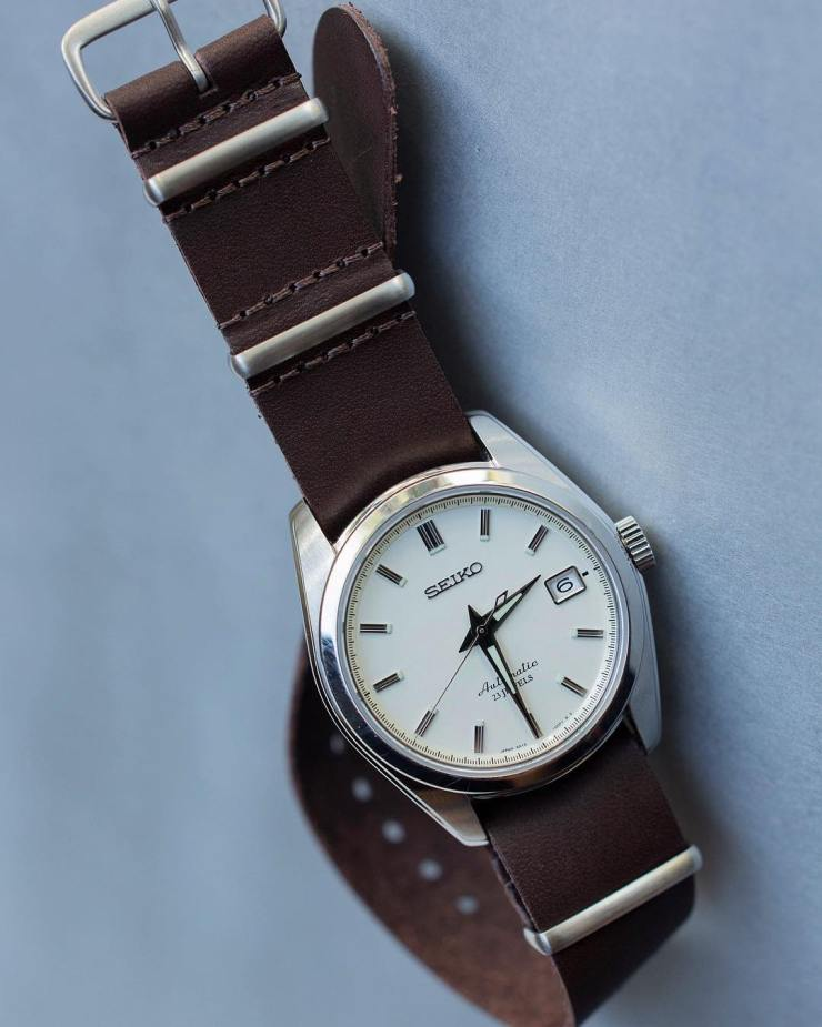 Crown & Buckle Bridle Leather NATO on a Seiko SARB035