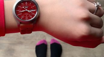 Seiko 5 SNK M95 Red Dial on a Fossil Strap - picture credit by Lexy aka the_real_seiko_girl
