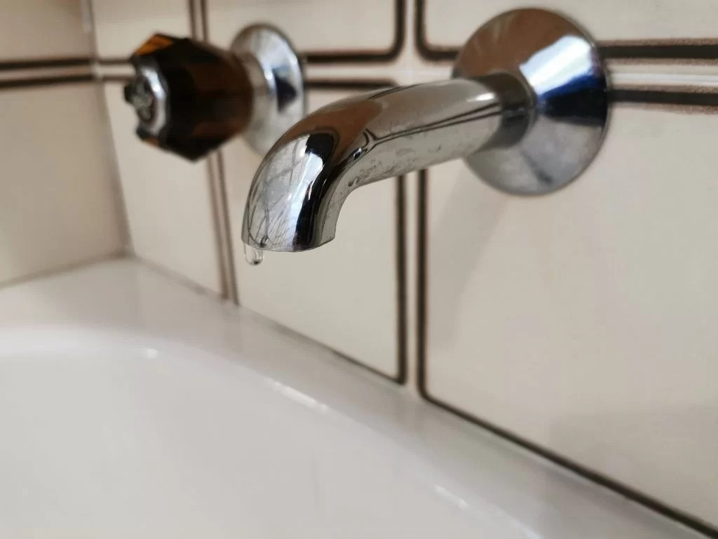 service leaky bathroom faucet tap