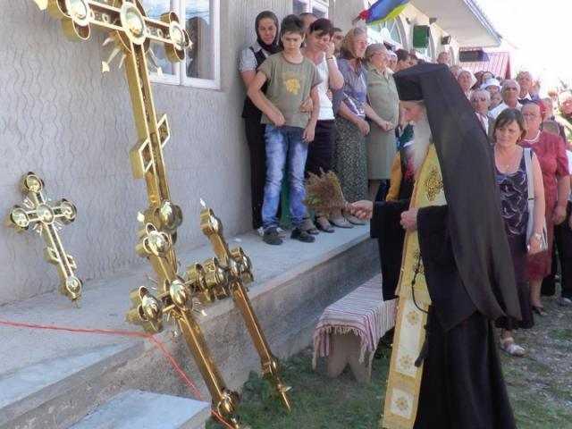 sfintirea-crucilor-noii-biserici-din-baia