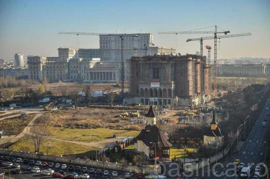 clara-rapan-noi-construim-catedrala