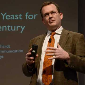 """Photo by Victoria StargelDr. Read Schuchart, Associate Professor of Media Ecology at Wheaton College, admonished Union students to Be.Here.Now. He challenged Union students, as Christians to be """"salt, light, and yeast"""" in the context of the digital age."""