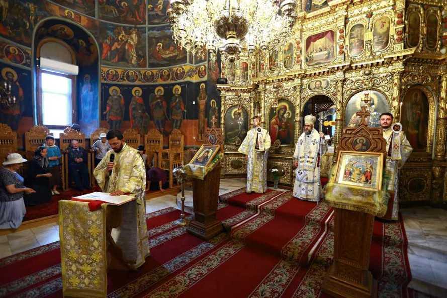 IPS Ciprian a slujit la Buzău în Duminica Slăbănogului