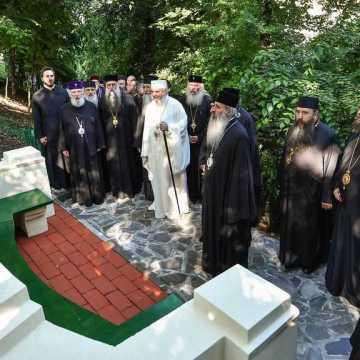 Patriarhul Daniel si membrii Sfantului Sinod al Bisericii Ortodoxe Romane au vizitat Parcul Resedintei Patriarhale (7)