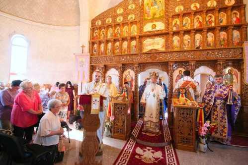 1 august 2017 IPS Andrei slujind în Parohia Turda Fabrici (2)