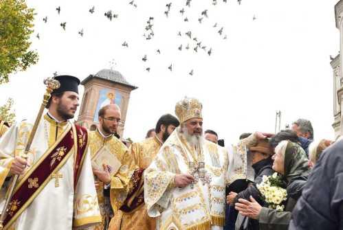 Patriarhul Daniel îndeamnă românii din diaspora la cinstire şi recunoştinţă adusă mărturisitorilor credinţei ortodoxe