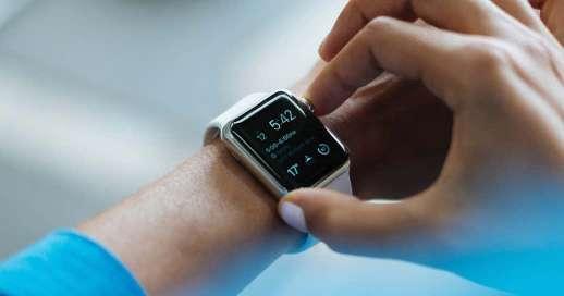 Apple Watch showing Calndar