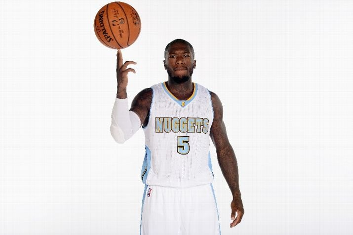 479be309683 Nate Robinson drilled an absurd 40-footer against Chicago last night. Denver  Nuggets ...