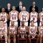 Chicago-Bulls-72-10-Team-Photo-1021×580