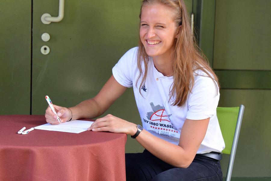 Leonie Fiebich verlängert in Wasserburg