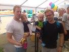 Landesliga-Stammspieler mit eigenem Nachwuchs: Roman mit Lisbeth (links) und Helge mit Thoma