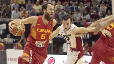España resuelve ante Canadá en su primer partido pre-Mundial