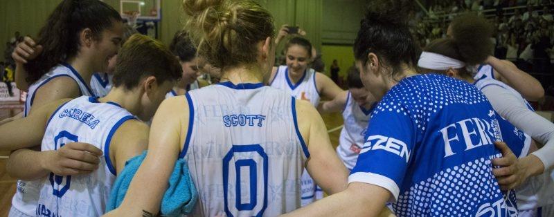 El Uni Ferrol cayó ante Avenida y acabó la temporada para Patricia Cabrera y Natalia Rodríguez