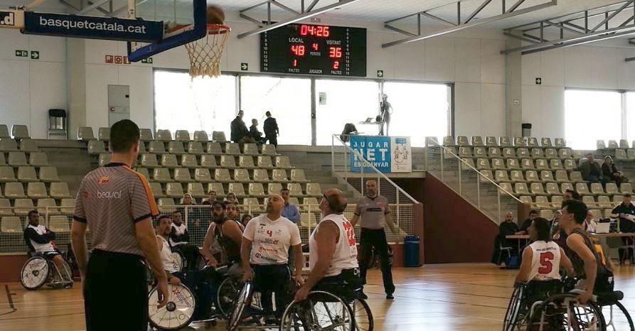 El Ademi Tenerife pierde en su visita al Global Basket y se complica la permanencia