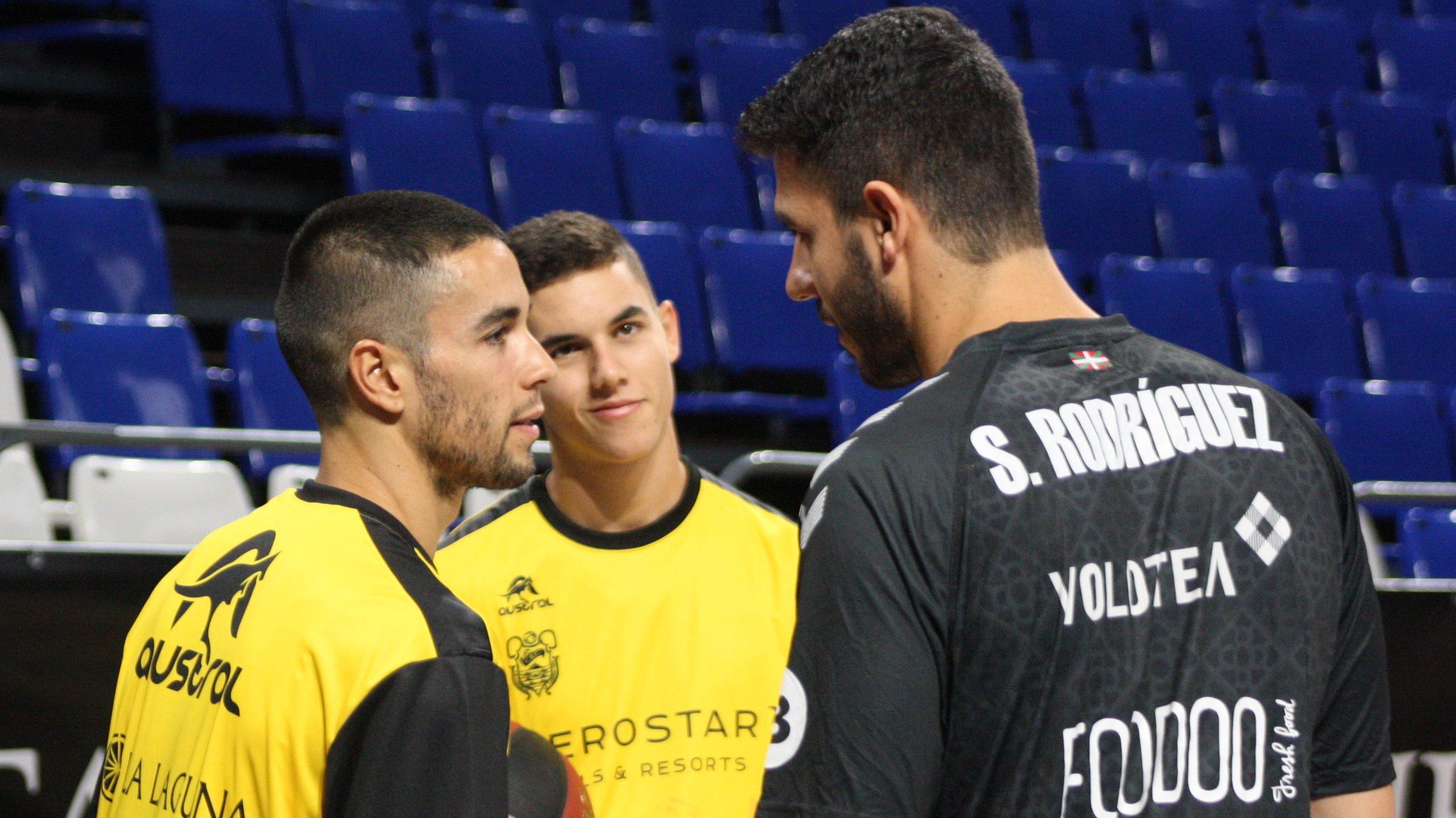 Tres tinerfeños en un partido ACB