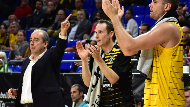 La victoria aurinegra ante el VEF Riga, en fotografías de @basketinsular