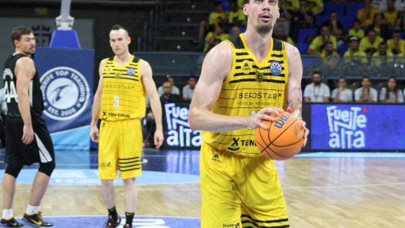 Suárez quiere que la ACB acabe en Canarias y considera interesante el cambio de la BCL