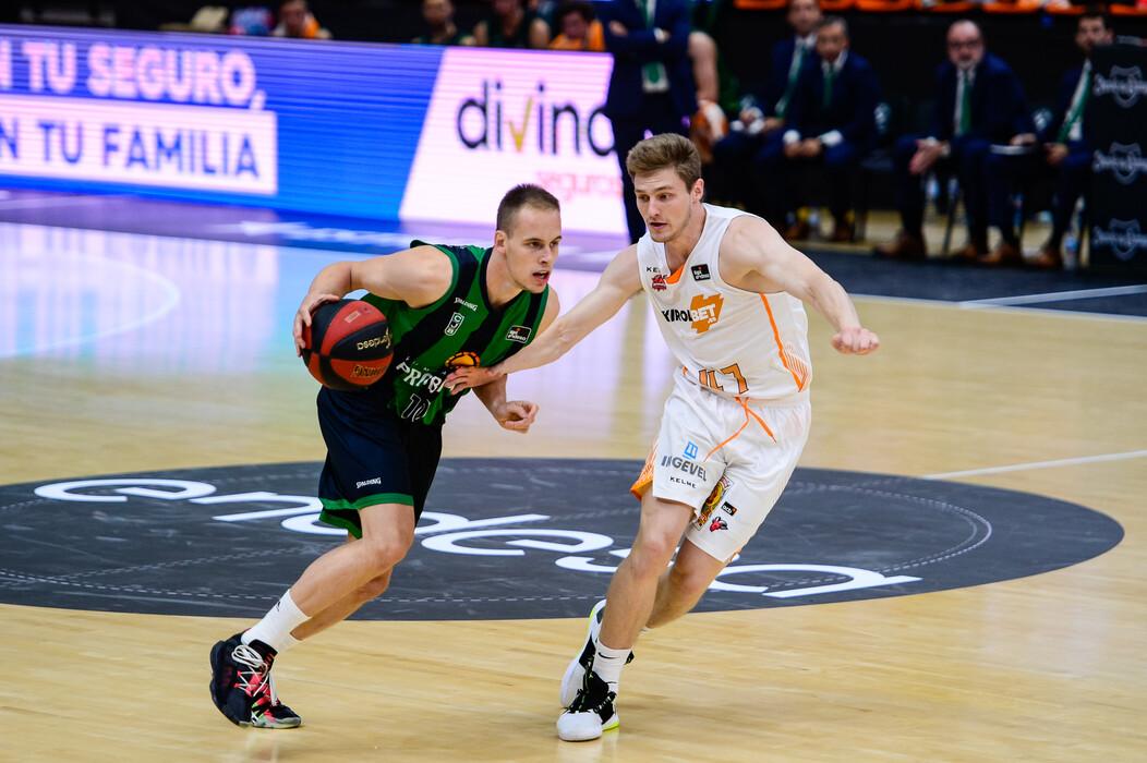 Joventut despide su temporada ganando a Baskonia en un intrascendente partido