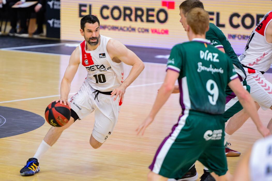 Rafa Martínez jugó su último partido con Bilbao y fue derrota ante Málaga