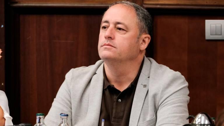 Castellano amenaza con despedir a Berdi Pérez, pero quiere que Katsikaris siga en el banquillo amarillo