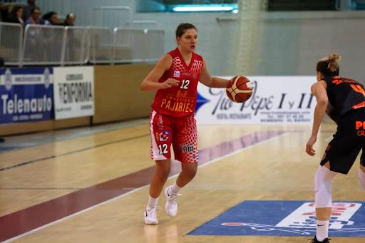 El Clarinos ficha a la belga Heleen Nauwelaers