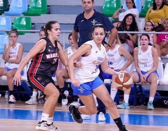 Carla Castro, talento joven que cumplirá su segunda temporada en el Tenerife Central de Autonómica