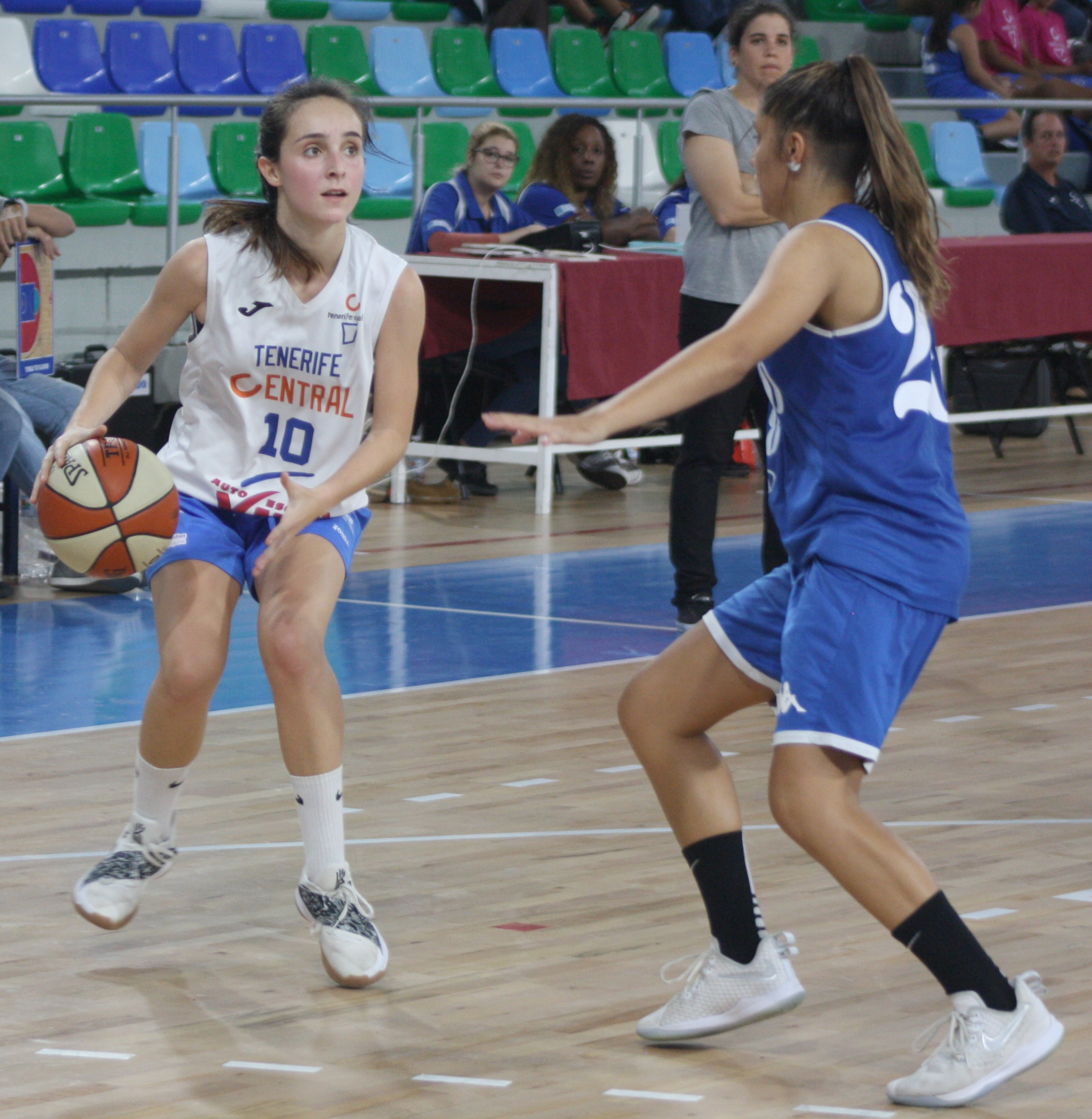 Daniela González cumplirá su cuarta temporada en el Tenerife Central