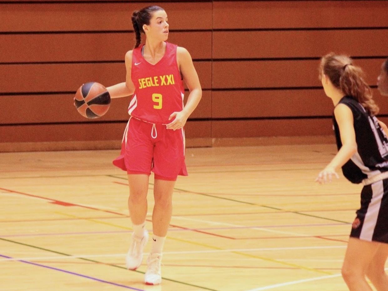 Elena Buenavida destaca en la cuarta jornada de Liga Femenina 2