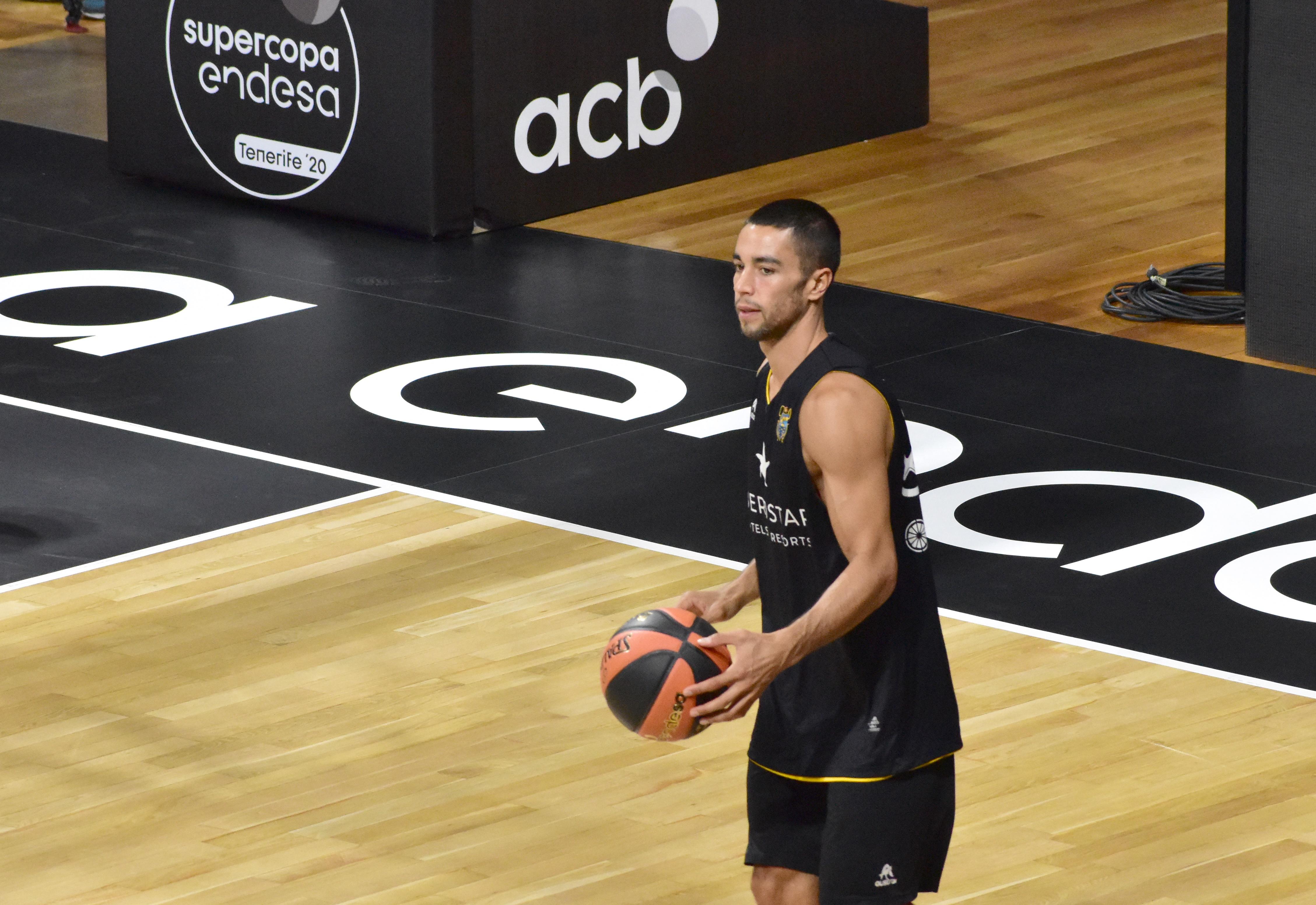 López: «No cambiaría jugar más minutos por la lesión de un compañero»