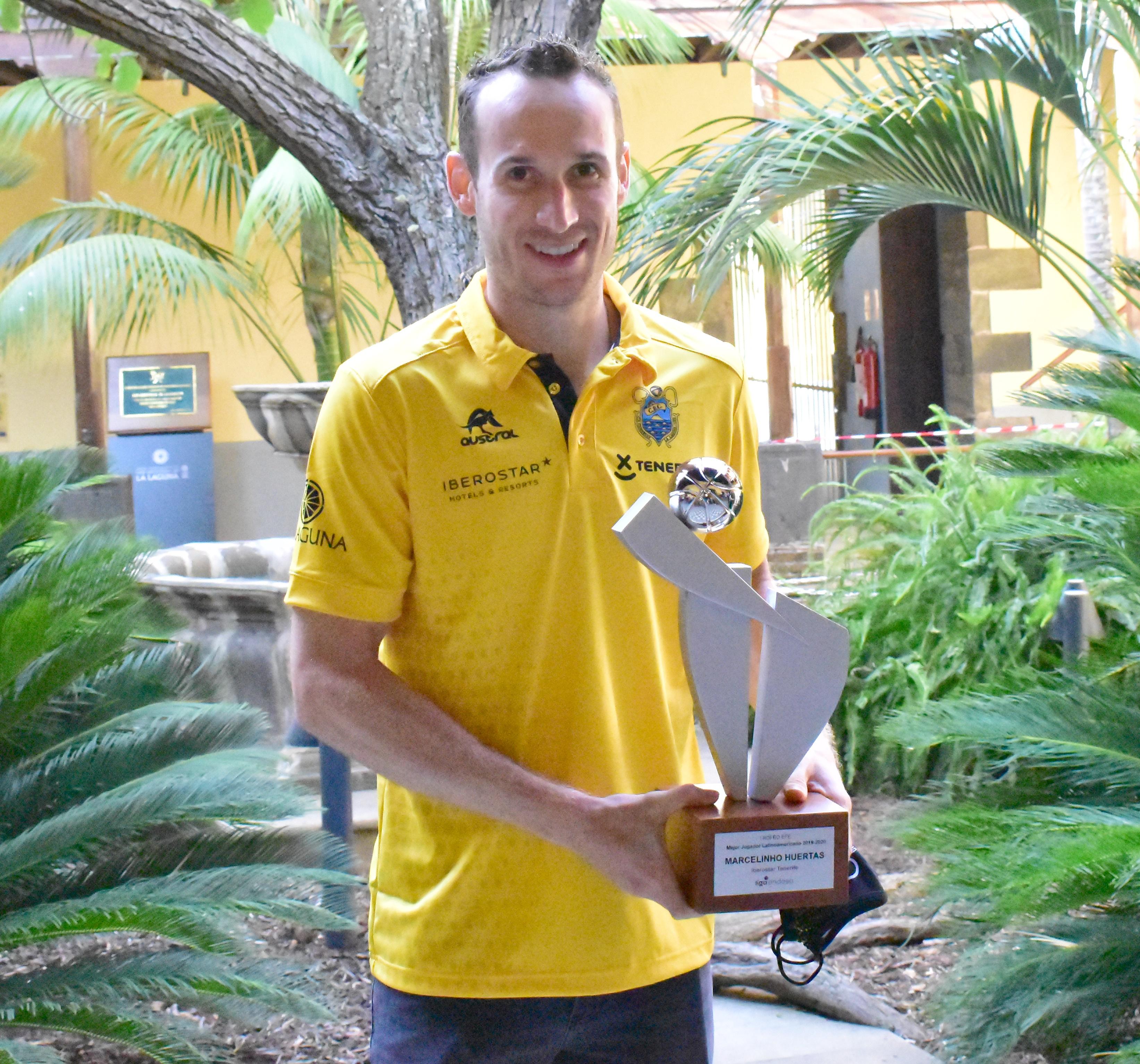 Huertas, orgulloso de ganar el premio al Mejor Latinoamericano de ACB vestido de aurinegro