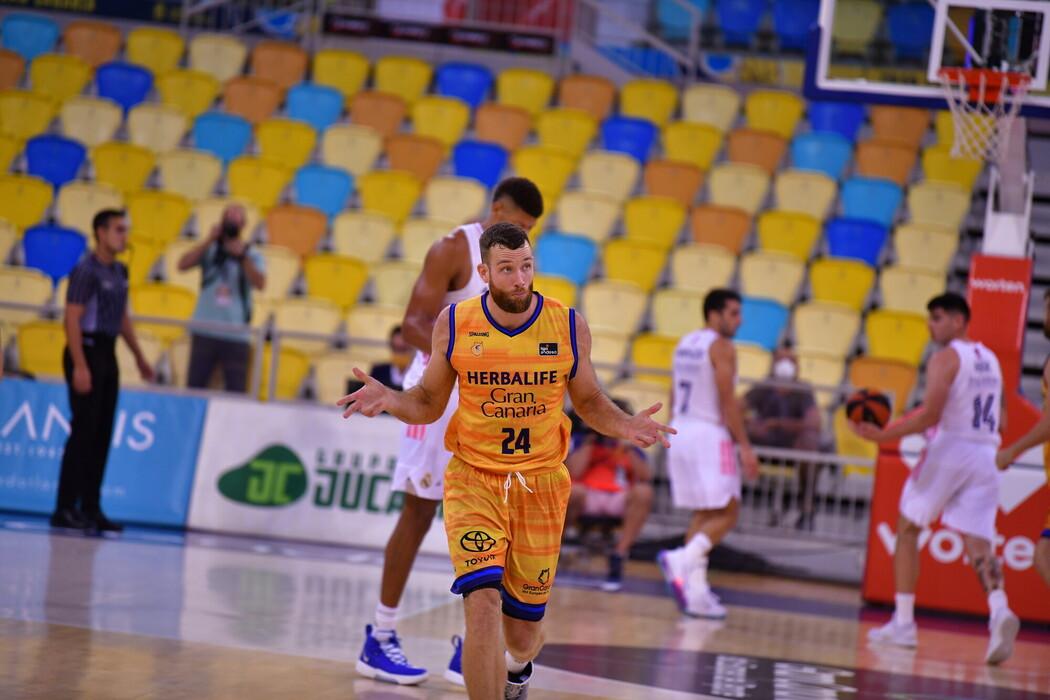 Gran Canaria-Claret da de baja a Earl Clark y reactiva la ficha ACB de Matt Costello