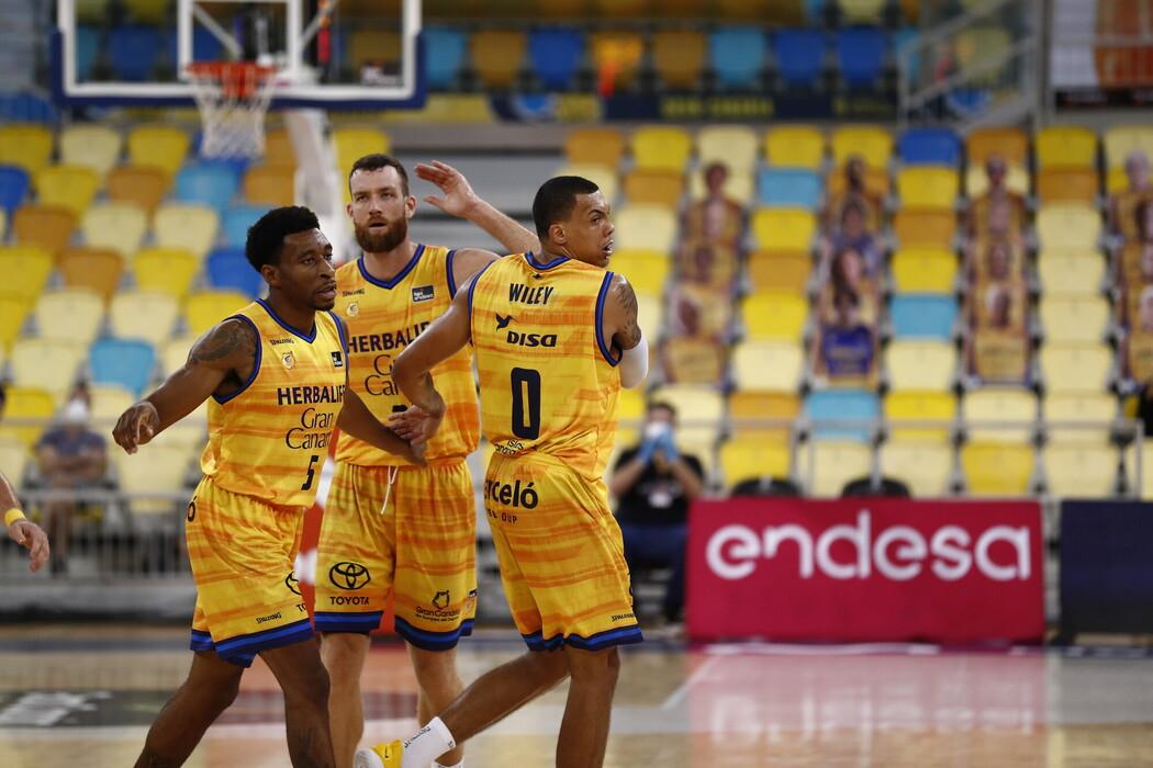 Mejoría insuficiente del Gran Canaria-Claret que suma su quinta derrota consecutiva en ACB