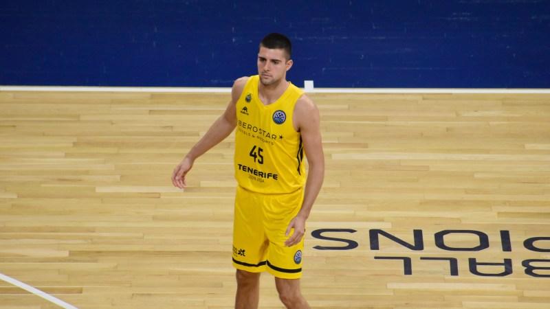 Danilo Brnovic debutó como aurinegro y en competición europea