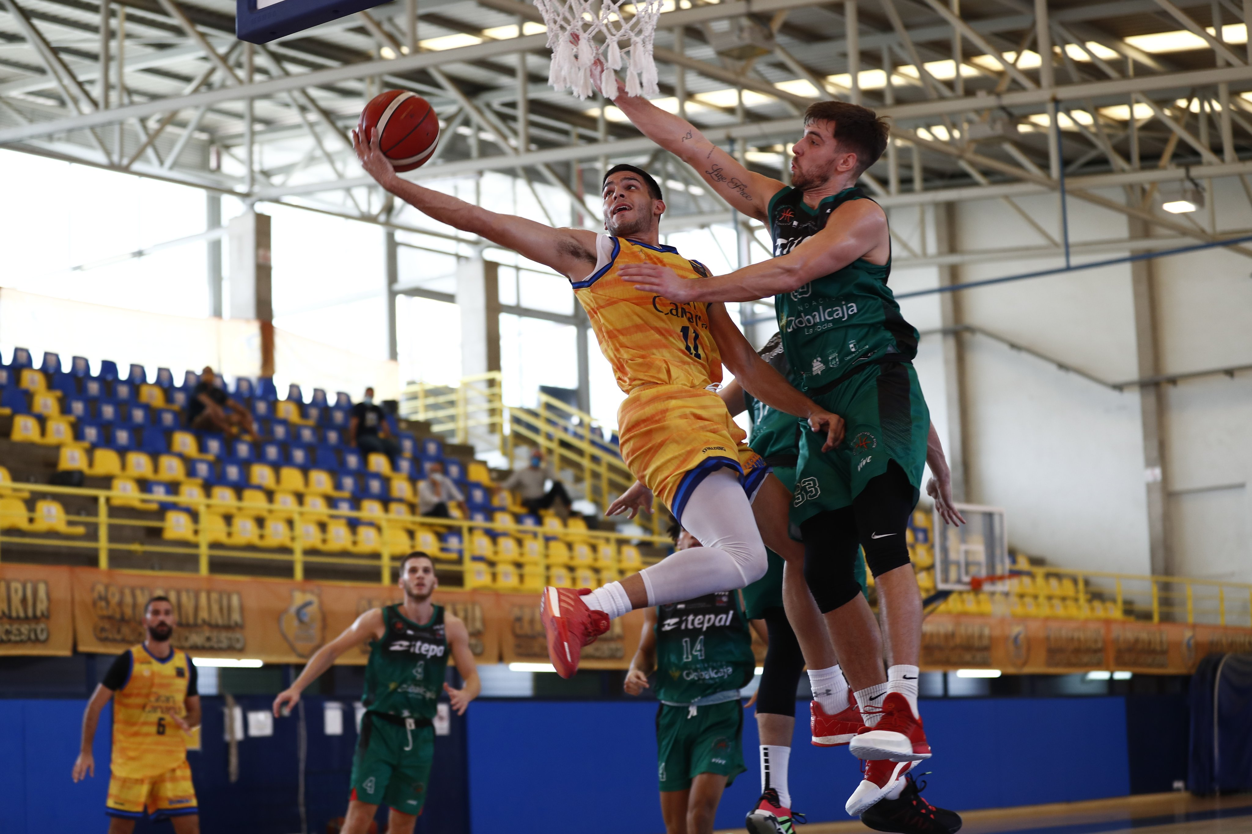 Gran Canaria-Claret sufrió ante La Roda para lograr la tercera victoria en LEB Plata