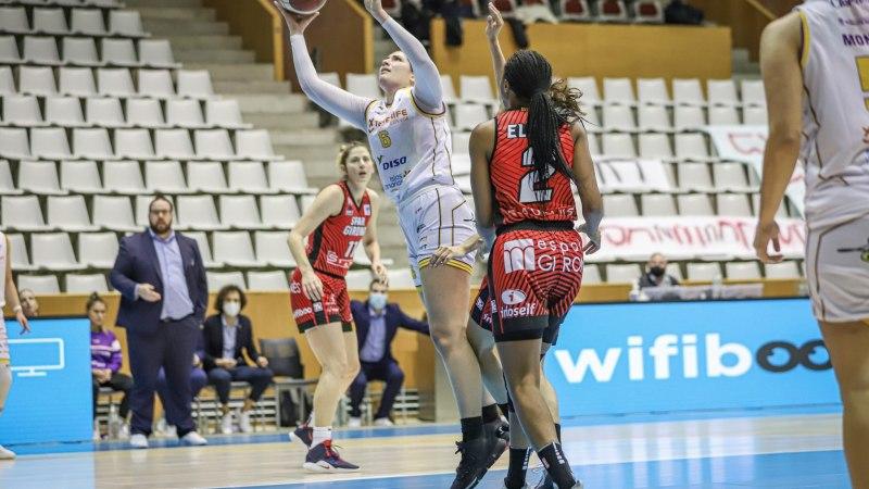 El debut de Abdy y Fasoula no evitó la derrota del Clarinos en Girona