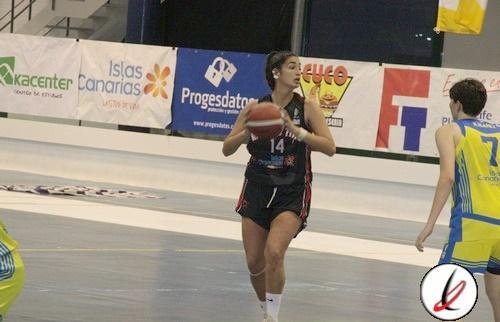Una fractura del navicular de la pierna izquierda puede dejar a Carla Escuert sin jugar lo que resta de temporada