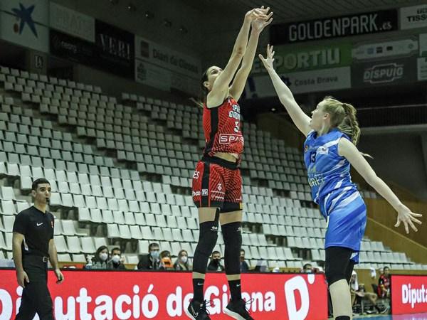 El árbitro tinerfeño Julio Rijo debutó en Liga Femenina