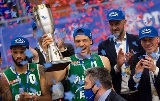 Iffe Lundberg, campeón y 'MVP' de la Copa en Polonia