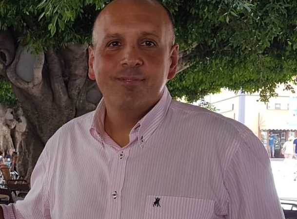 Cáceres: «Estar cada semana pendiente del BOC es un trastorno»