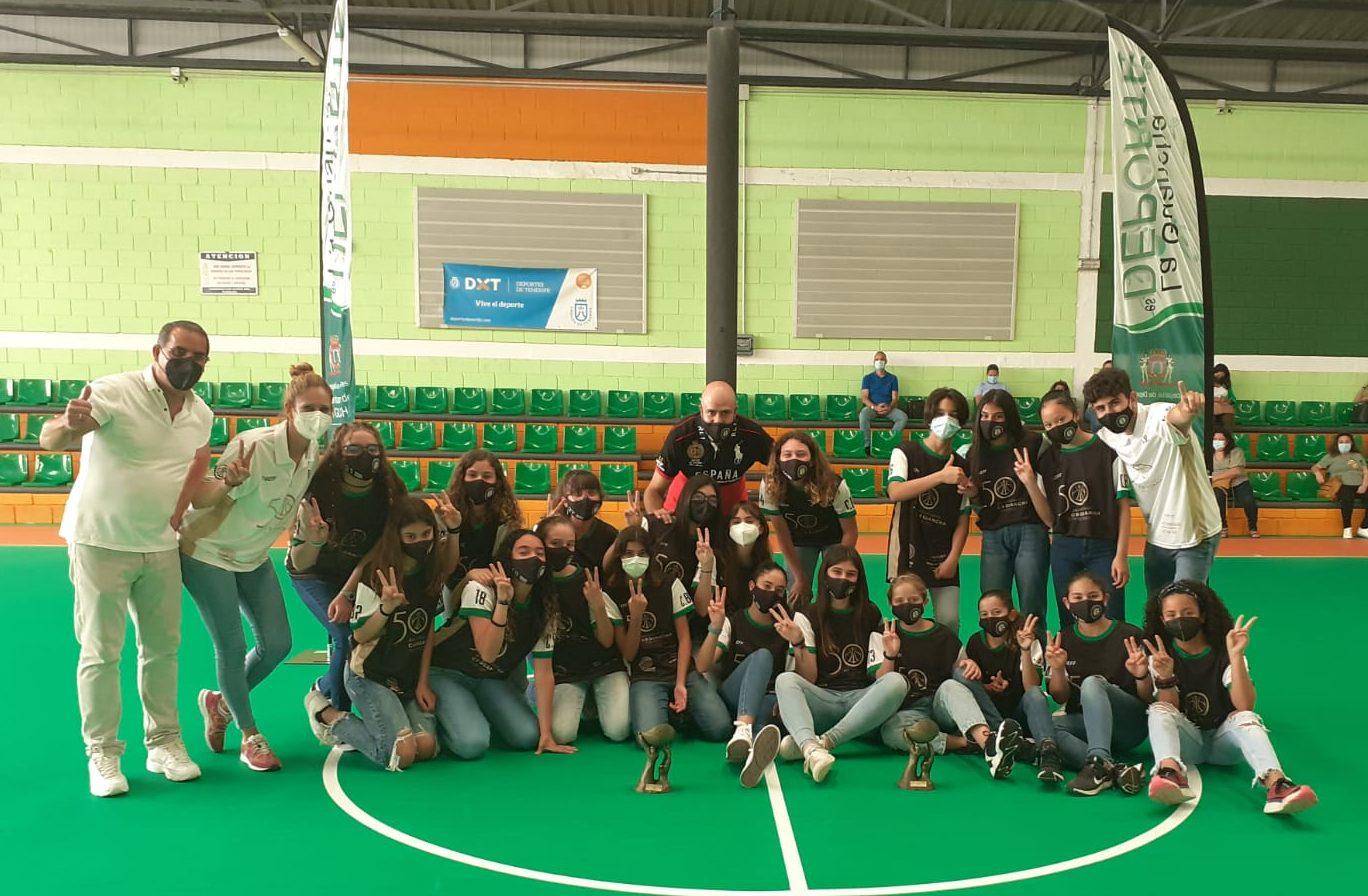Los conjuntos femeninos Minibasket e Infantil del CB Guancha recibieron sus trofeos de campeones de Tenerife