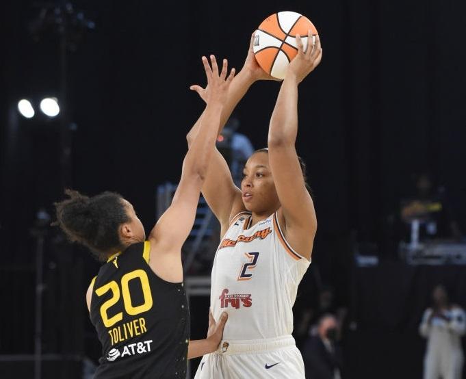 Walker, tiradora que llega al Clarinos desde la WNBA