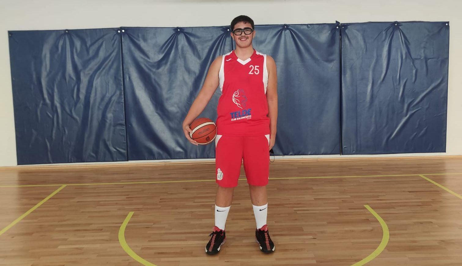 Víctor Suárez, del CB Telde, convocado por la selección española U13